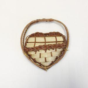 13183 Кашпо настенное плетеное Сердце малое, бамбук