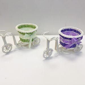13910 Кашпо Велосипед малый плетеный, белый пластик
